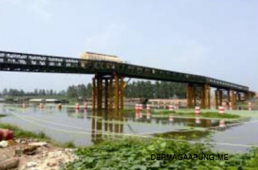 Bailey bridge (CB-200,140M long,clear width 4,2m)